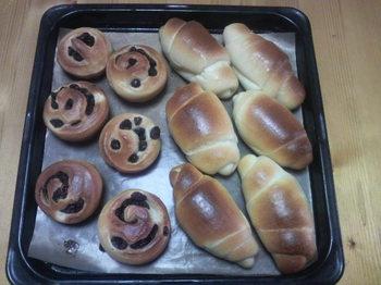 バターロール&ぶどうパン.jpg